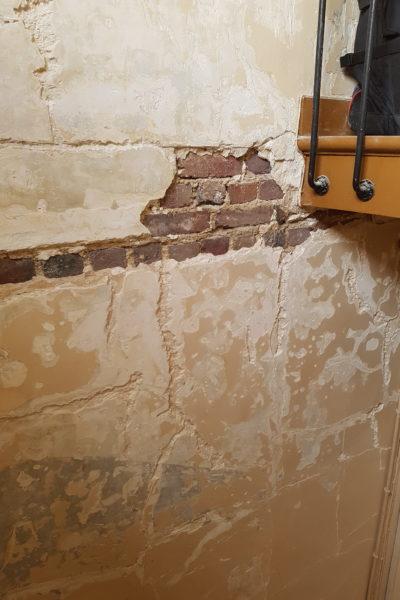 R novation de la peinture des murs de la cage d escalier - Peinture mur escalier ...